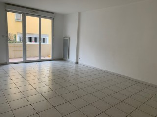 Location  MURET appartement 2 pieces, 60m2 habitables, a TOURNEFEUILLE